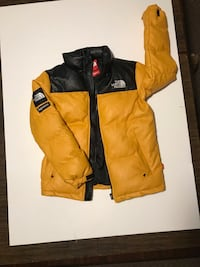 Yellow North Face x Supreme Coat Size M Nesconset, 11767