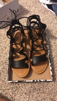 never worn size  8.5 Chico, 95973