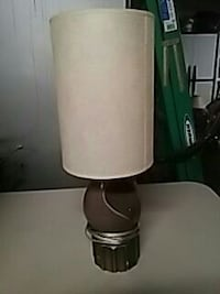 19 inch Brown Electric lamp with beige shade Thomasville, 27360