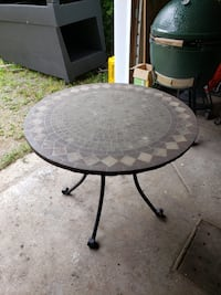 Patio tables/furniture- Cement top- 5 square- 3 round .... 30 each or 2 for 50  Blainville, J7C 3A6
