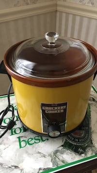 Vintage Sears Crockpot w/glass lid  Springfield, 22153