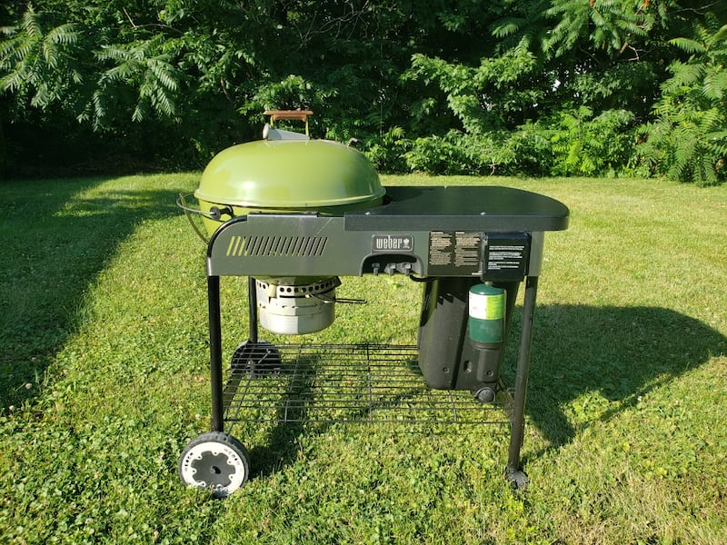 Grass green Weber performer  0