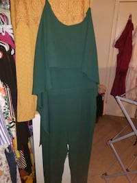 Green jumpsuit  Middle River, 21220