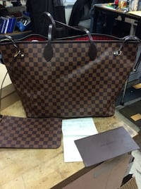Louis Vuitton never full bag pre owned mint with receipt and dust cover case . Baltimore, 21205