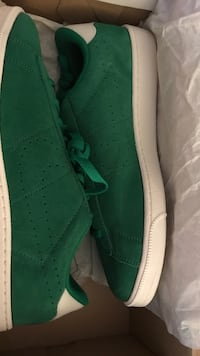 New Nike Tennis classic (Suede) leather Size 10 Taylor, 48180