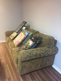 Extremely comfy but ugly couch Mississauga, L5N 5G7