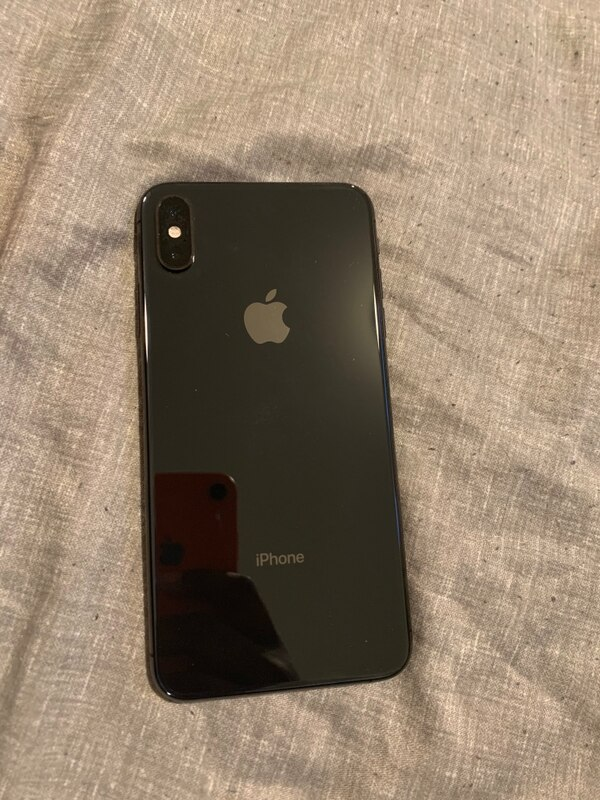 Verizon IPhone XS Max Black bb3542fa-6d40-4122-9f84-72909d9de599