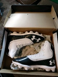 UNDER  ARMOUR FOOTBALL CLEATS SIZE 11 MEN NEW