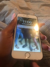 silver iPhone 6 with box 540 mi