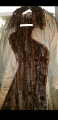 brown and black fur coat Alexandria, 22303