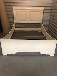 Queen painted bed and mattress Charlotte, 28226