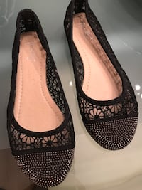 Brand new women's shoes size 6 Chicago, 60656