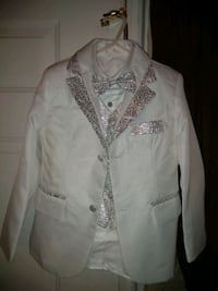 Boys white size 6/7 suit Smiths Station, 36877