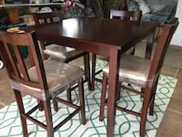 Counter height table 6 chairs area rug Southampton, 18954