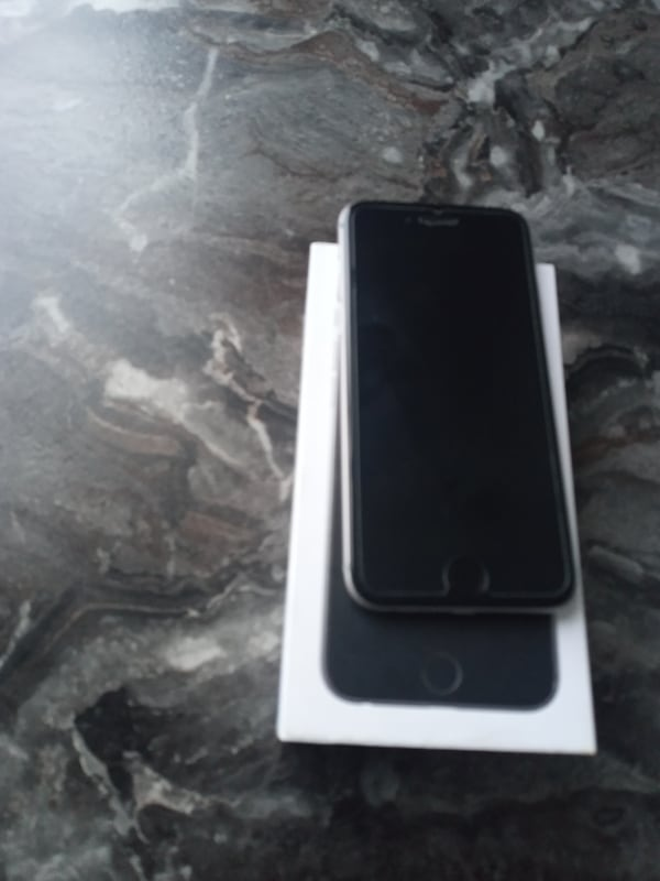 Iphone 6 32 gb  d98210a8-1c15-426f-bd9c-e037300c829c