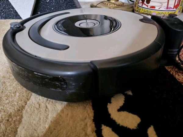 Used I Robot roomba with charging deck for sale in Elk ...