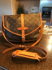 Beautiful Vintage LouisVuitton Saumur30 Crossbody  Las Vegas, 89149