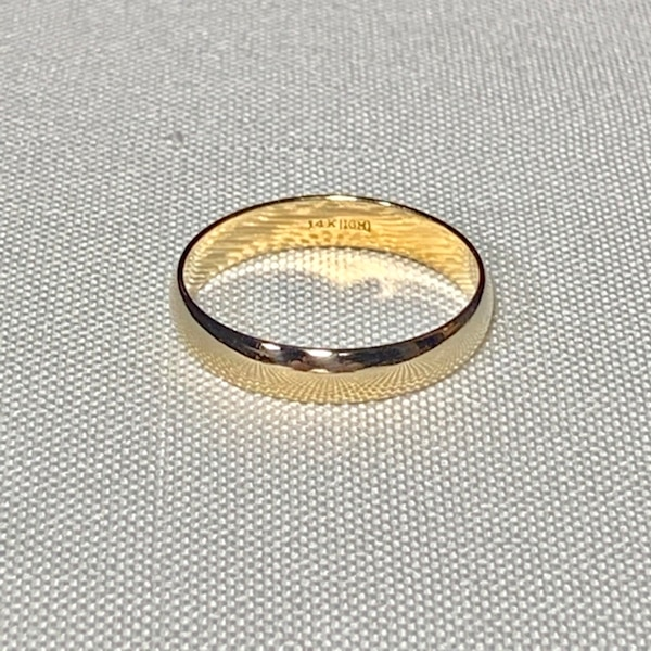Men's 14k Yellow Gold Wedding Band Ring 8f599bd7-546f-4633-b116-28763ba4c6f7