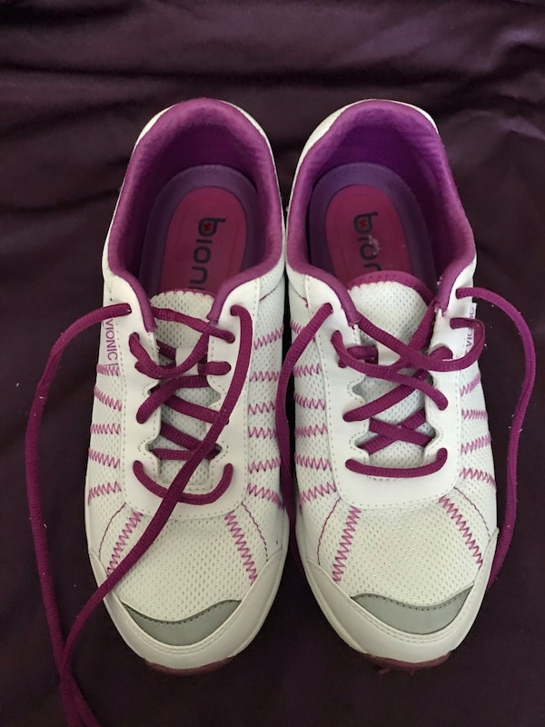 767816894bd2 Used Women s size 7 Vionic orthotic shoes for sale in Temple - letgo
