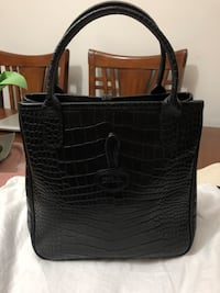 Authentic Longchamp roseau croc embossed leather color black with measurement of 9.5 x 9.5 x 4.5 New Westminster, V3M