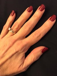 Color Street nails available in Fashion Capital. 100% real polish, made in the USA, and no drying  [EMAIL_HIDDEN]  for more info. Sterling, 20166