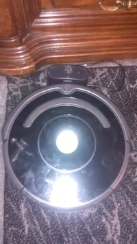 Used i robot vacum with charger. Working perfect   Scarborough, M1E