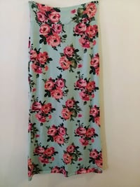 Skirt size Large Rue21