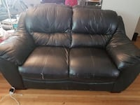 black leather 3-seat sofa Vancouver, V6P 3B4