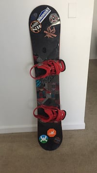 Snowboard with bindings and boots Plymouth, 03264