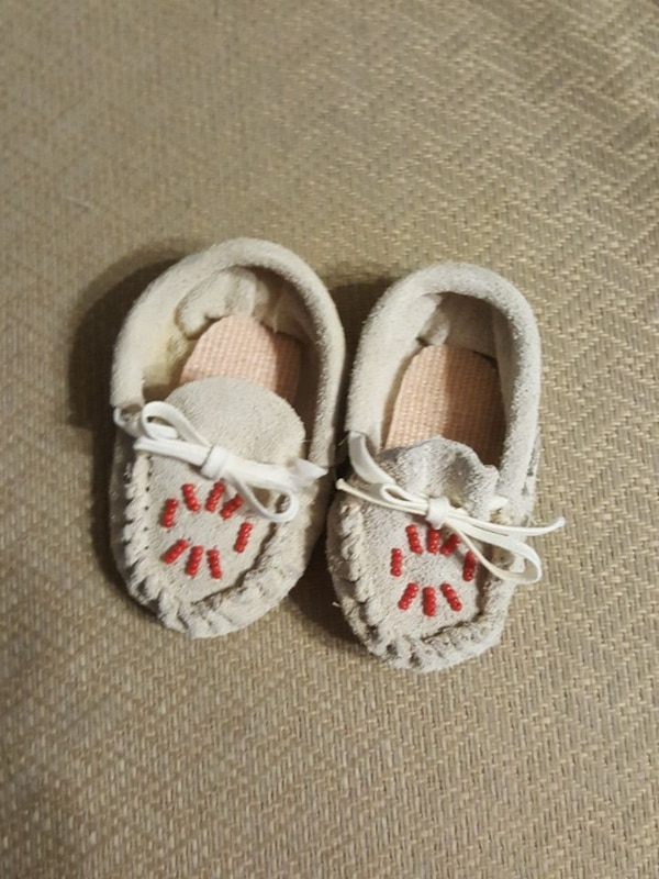 5b4b6c9771e Used Infant leather moccasins for sale in Columbia - letgo