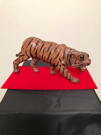 Beautiful Vintage Hand Sculpted Tiger from Asia Garden City, 11530