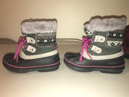 Toddler snow/rain boots size 9