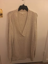 Beige V-neck over-sized sweater Myrtle Beach, 29579