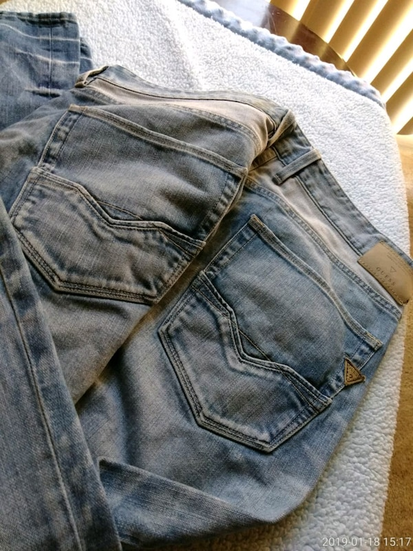 Mens Guess Jeans size 38