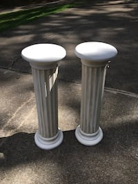 two white wooden candle holders Mc Calla, 35111