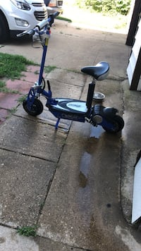 Blue and black electric scooter Dalzell, 61320