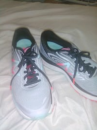 Size 9 New balance shoes