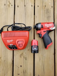 Mikwaukee M12 FUEL impact w/ 2.0 Battery & Charger Vaughan, L6A 1H3