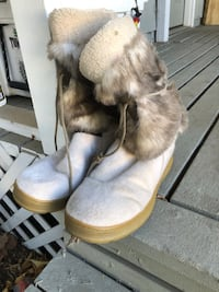Pair of white mukluk boots 1816 mi