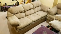 Full sofa set.. gently used...great condition Mississauga, L5B 3S8