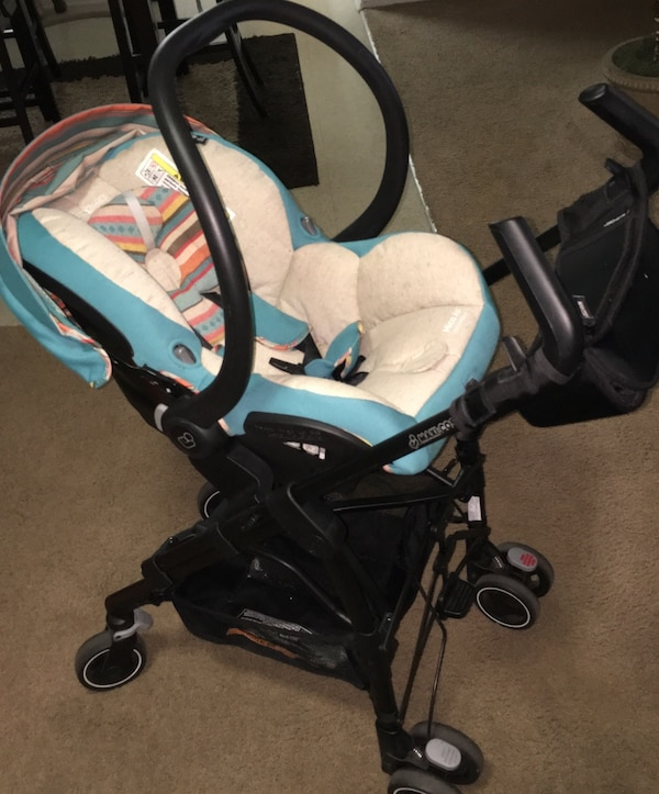 Maxi Cosi Infant Car Seat Stroller W Base Excellent Used Condition Newborn 22 Lbs Gently Used