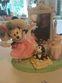 Minnie's tea party collector statue . Whitby, L1N 8X2