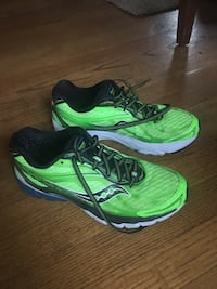 Saucony running shoes - 9M