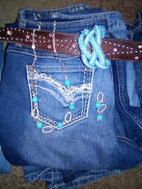 6 pair size 12 jeans 1 necklace  Waterloo, 50703