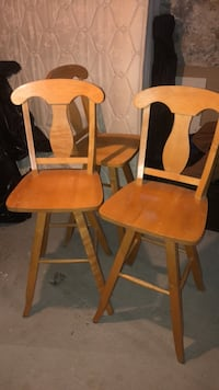 two brown wooden windsor chairs Ansonia, 06401