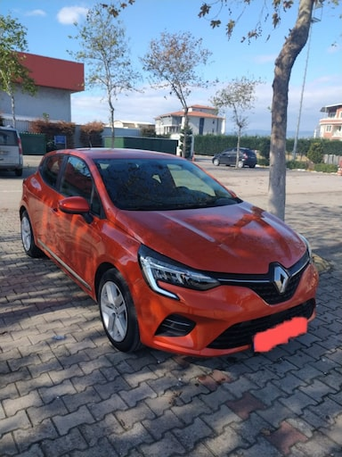 2020 Renault Clio Touch 1.0 TCe 100 bg ad307d95-3ed6-4871-beb4-1a1f44ed7ddc