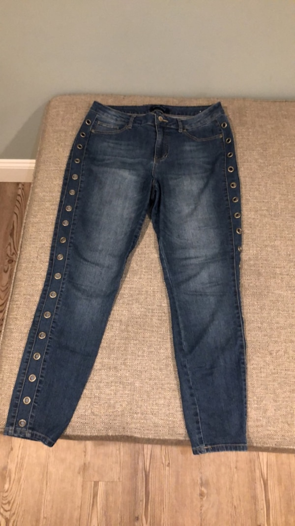 Used Blue denim straight cut jeans for sale in Lindenhurst - letgo e30f93ea2bcb4