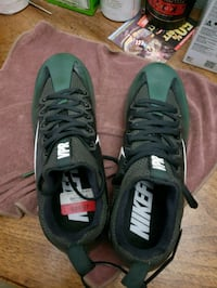 Nike soccer shoes. NEW. Size 9 Providence
