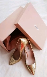 MIU MIU gold sparkles pumps with moderate heal size 39 made in Italy Toronto, M8V 0A3