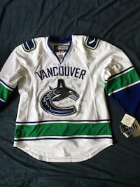 Vancouver Canucks Team Autograph Jersey Stanley Cup Finals 2011